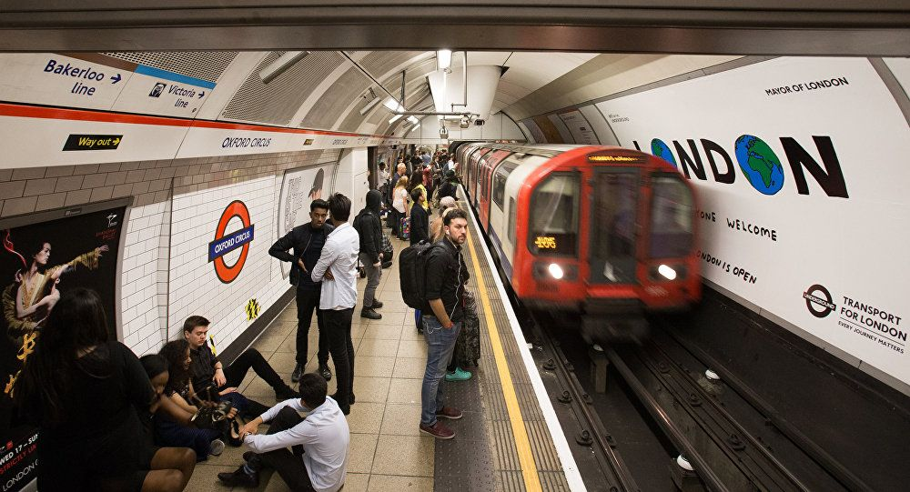 Pin by lillydurham on Subway Stop London underground