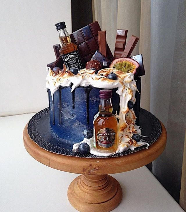 Pin By Gabriela On Tortas Para Hombres 21st Birthday Cakes Drip Cakes Beer Cake