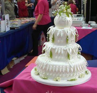 A fun sort of garden like wedding cake.