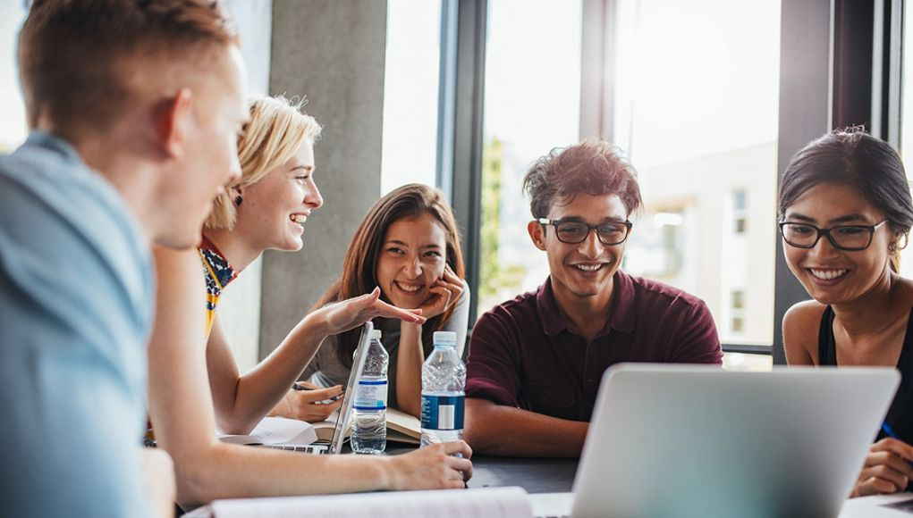 By Rosie Clayton - These 5 emerging trends in project-based learning will continue to push the limits of the design and impact of PBL everywhere.