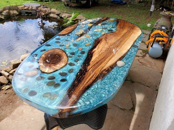Custom Round River Table Floating Wood Dining Table With Epoxy