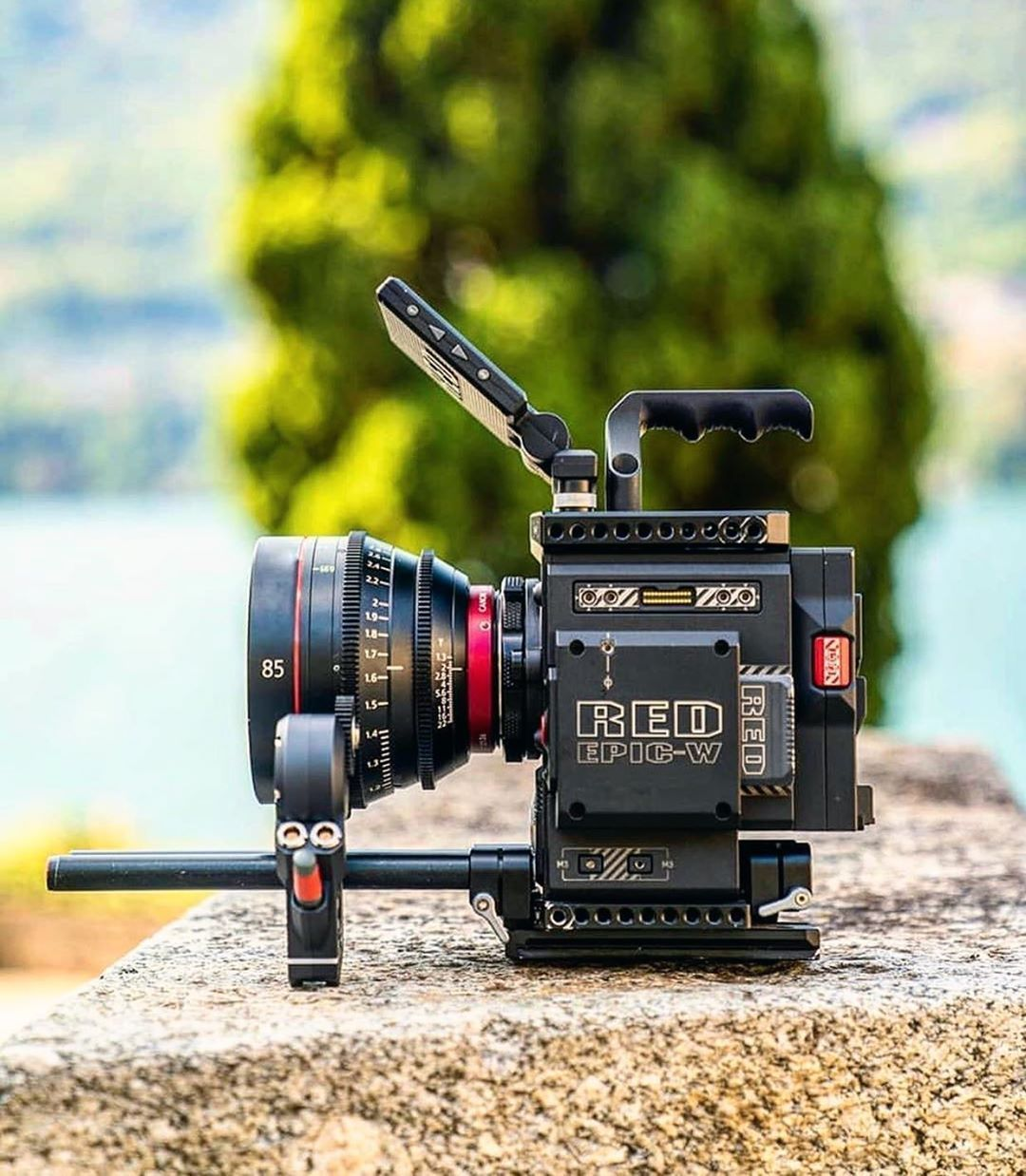 Red Epic W Canon Cn E 85mm T1 3 L F Cine Lens