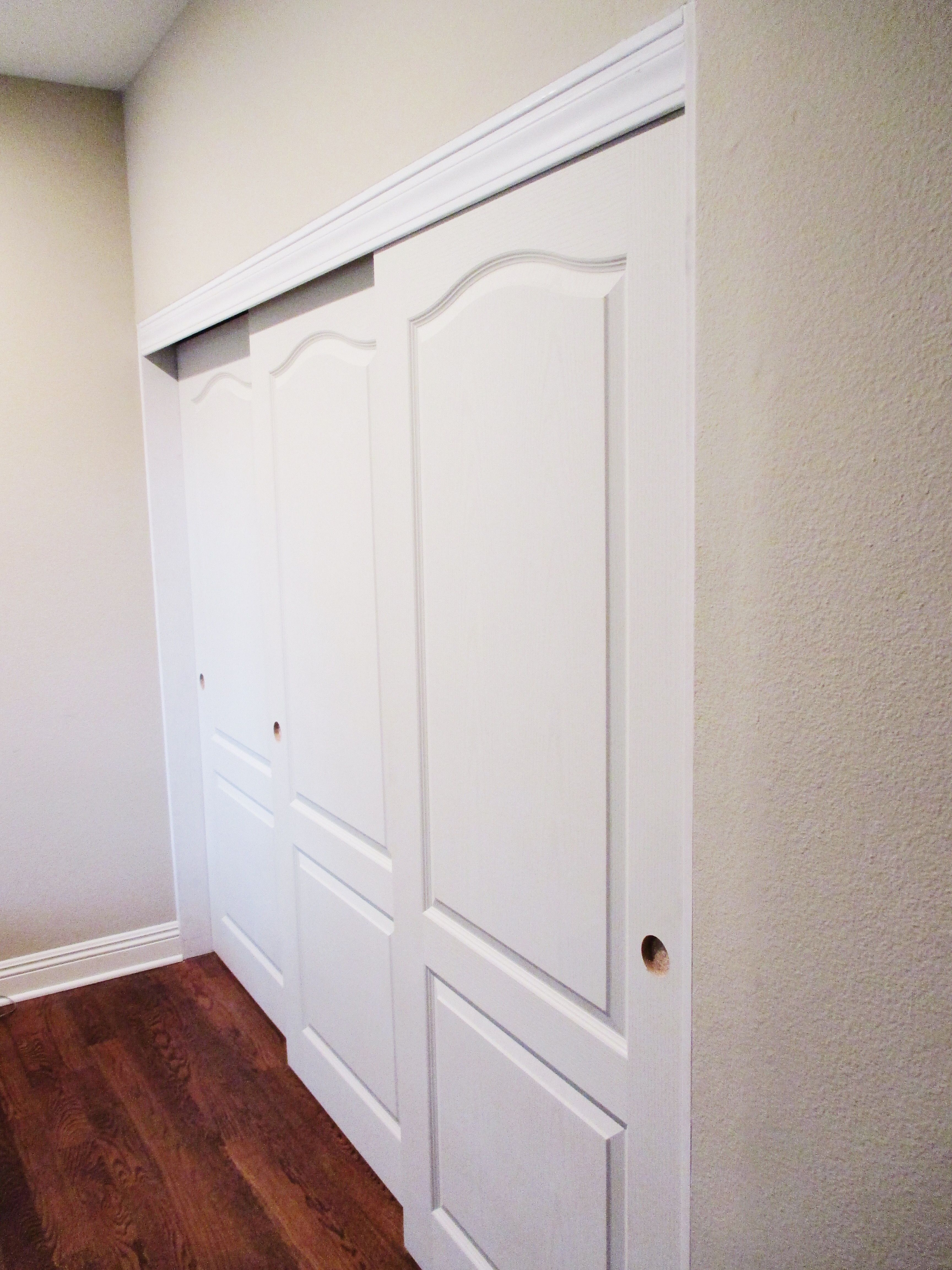 Do Your Old Closet Doors Need To Be Replaced Asap Check Out These Gorgeous 3 Panel 3 Track Top Hung Princ Old Closet Doors Closet Doors Bifold Closet Doors