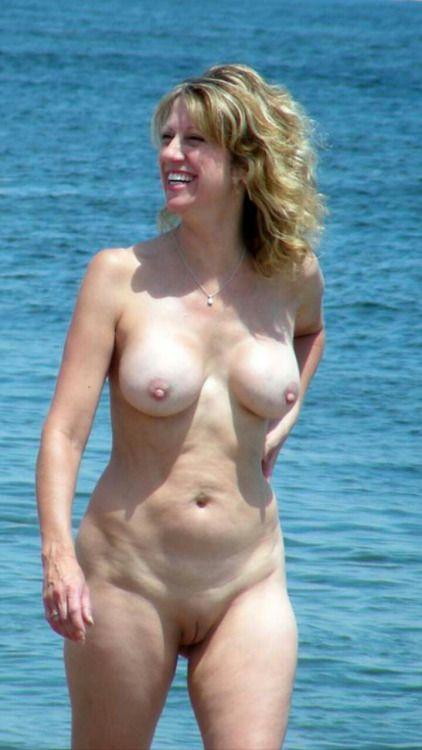 Smoothie nudist love