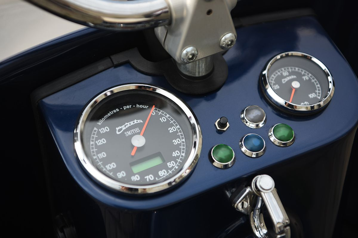 Electric Čezeta Scooter Features SMITHS Gauges | Gauges for