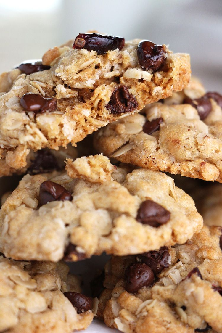 Fully-Loaded Oatmeal Cookies - make these for your 'Greatest Dad' #fathersday #dessert