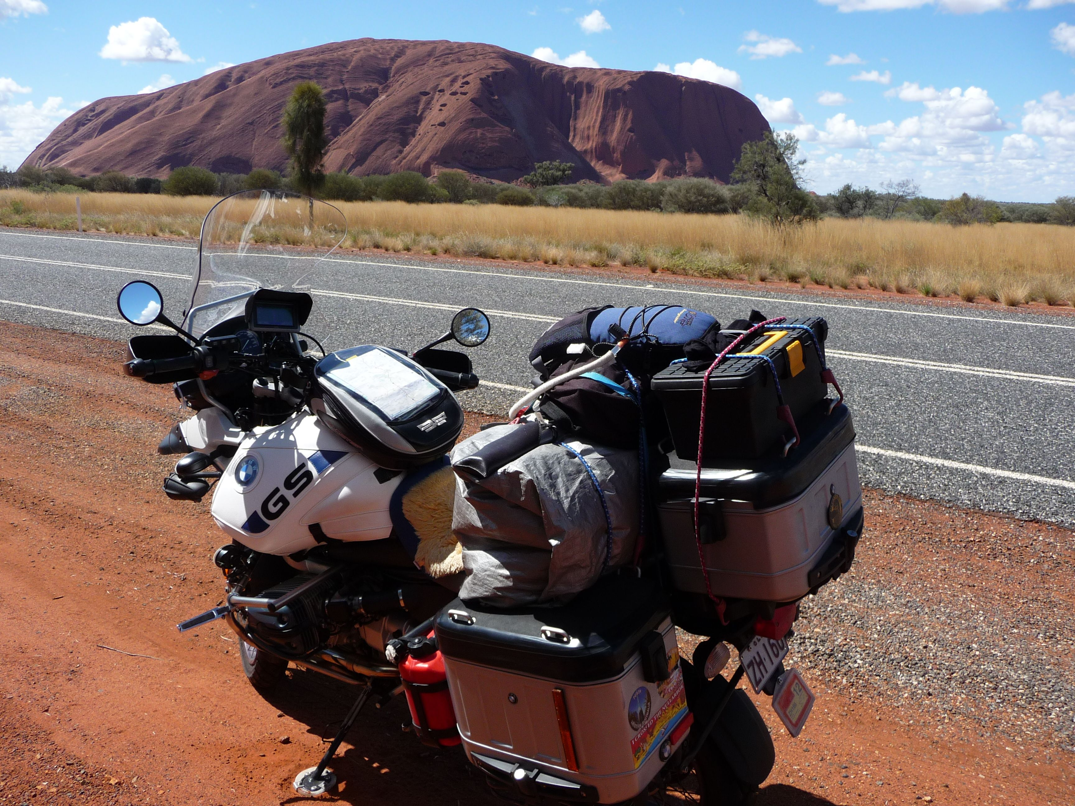 bmw r1150 gsa - around australia in 40 days - ayers rock, nt. the