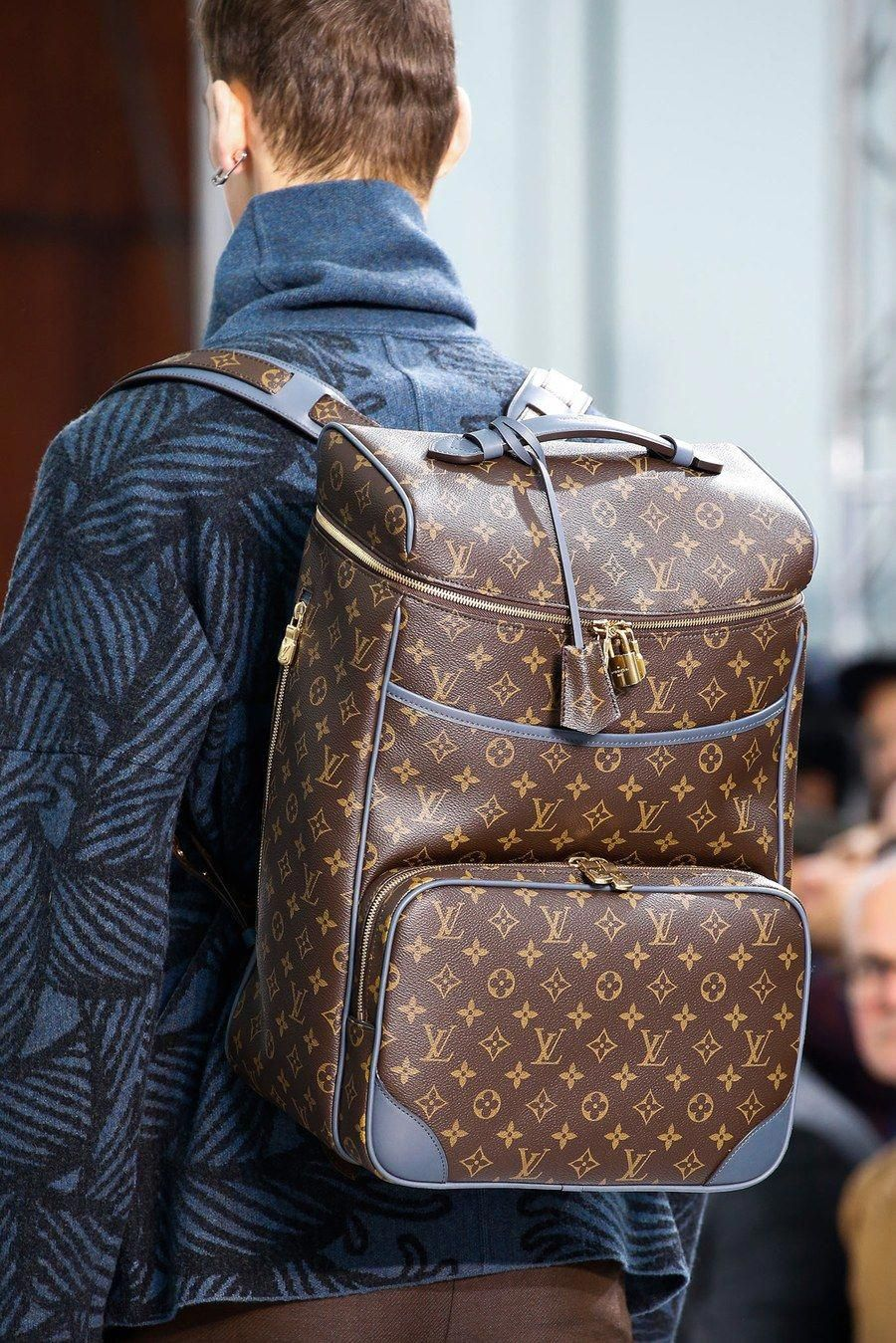 Louis Vuitton Fall 2015 Menswear Collection - Vogue #chanelbags #louisvuittonhandbags