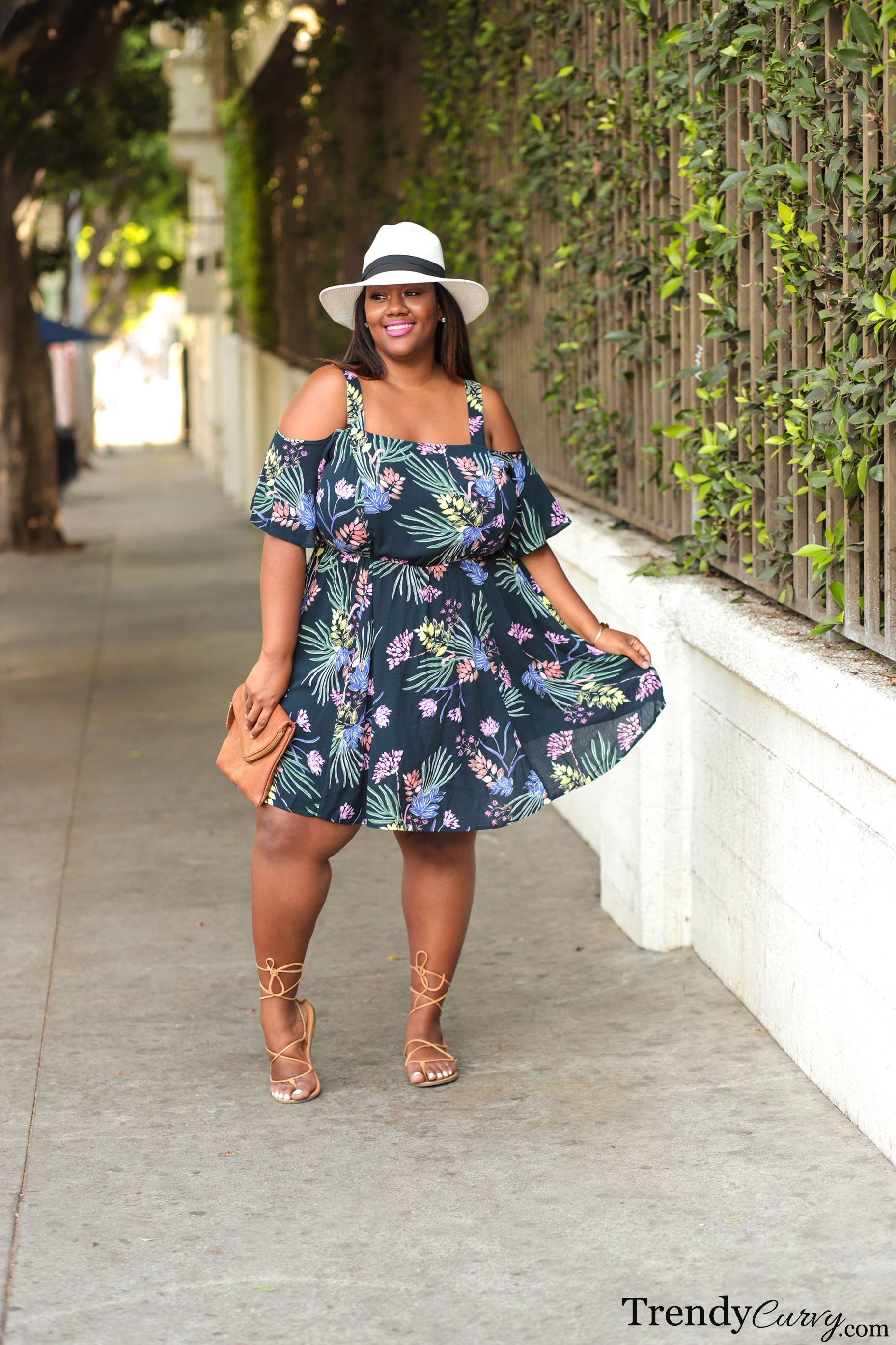 Summer In The City Trendy Curvy Plus Size Summer Outfit Plus Size Summer Dresses Plus Size Summer Fashion [ 2736 x 1824 Pixel ]