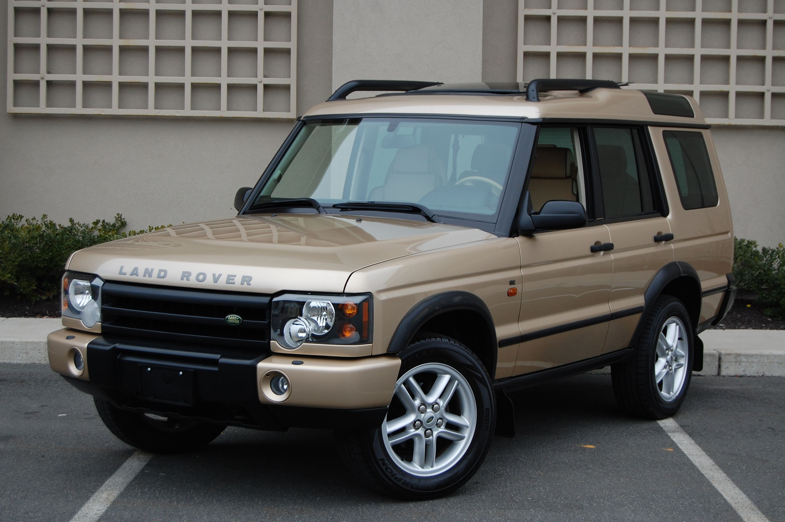 2004 Maya Gold Rover discovery, Land rover discovery