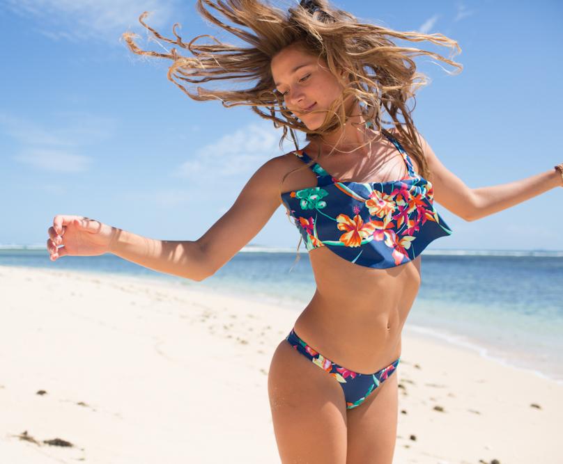 Roxy Womens Pro Surf Tank Top Bikini Swimwear Light Blue Large Coverage Ladies