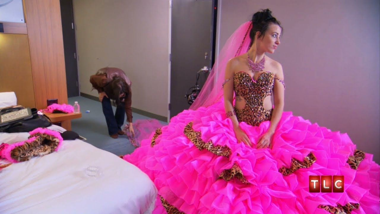 Mellie\'s Wedding Dress | Gypsy Sisters | ~ So Funny! ~ | Pinterest