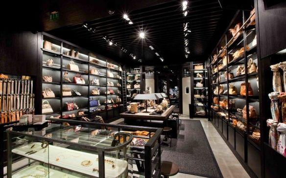e8eed7552b Uterque retail design