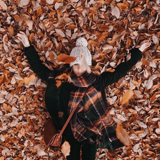 15 Fall Photoshoot Ideas To Get Some Serious Inspo - Society19