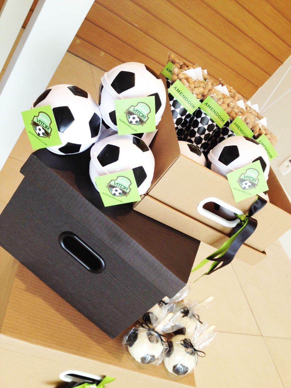 c8148f5a2e Lembrancinha para festas com o tema futebol.