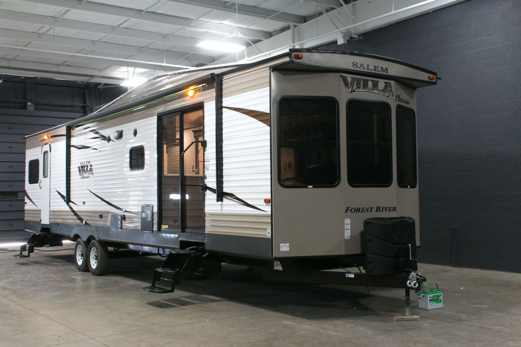 KICK BACK IN THE LAP OF LUXURY!!! 2017 Forest River Salem