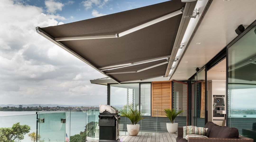 buy popular 16cdf abc82 Fabric awnings   Luxaflex® retractable and fixed awnings ...
