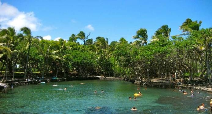big island hot spring hot pond - ahalanui has showers but go during the week FREE