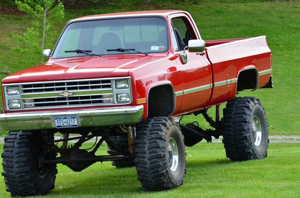 I want an older Chevy and a red one at that<3 | truck\'s ...