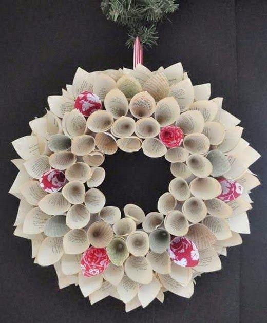 El mundo del reciclaje coronas de navidad con material for Materiales para hacer adornos navidenos