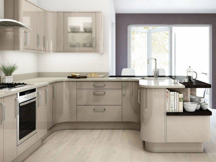 cocina pequea con muebles de color gris en forma de U COCINAS