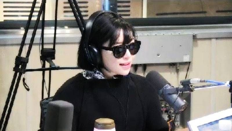 Ga Inrevealed that she does her best not to appear on broadcasts without her eyeliner on.