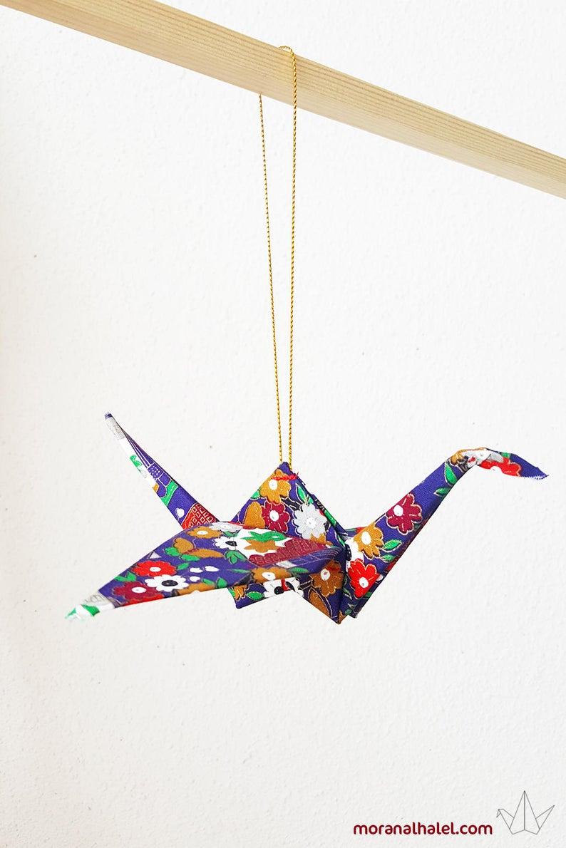 Photo of Origami hängender Kran, Origami Verzierung, japanischer Kranausgangsdekor, Hochzeitsgeschenk, Glückverzierung, japanische Kunst, Gewebekran, Housewarming