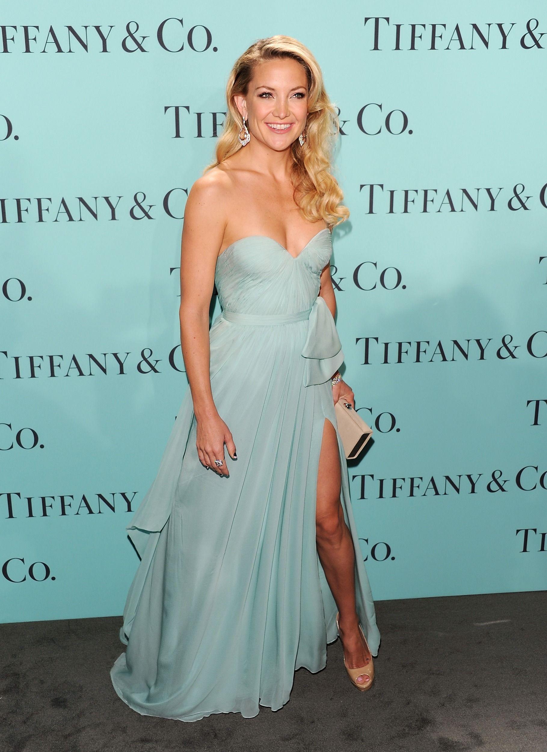 Kate Hudson at Tiffany & Co. Blue Ball in Reem Acra | Scene stealer ...