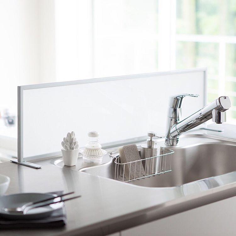 シンクの水はねを気にせず洗い物を快適にしてくれる シンク水はね防止