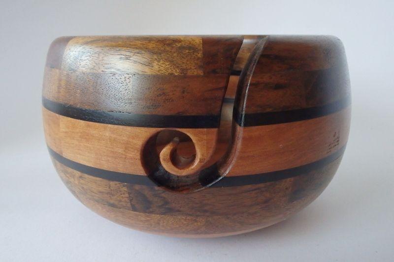 Garnschale Holz handgedrechselte+garnschale+aus+holz,+yarn+bowl+von+kade+loving+