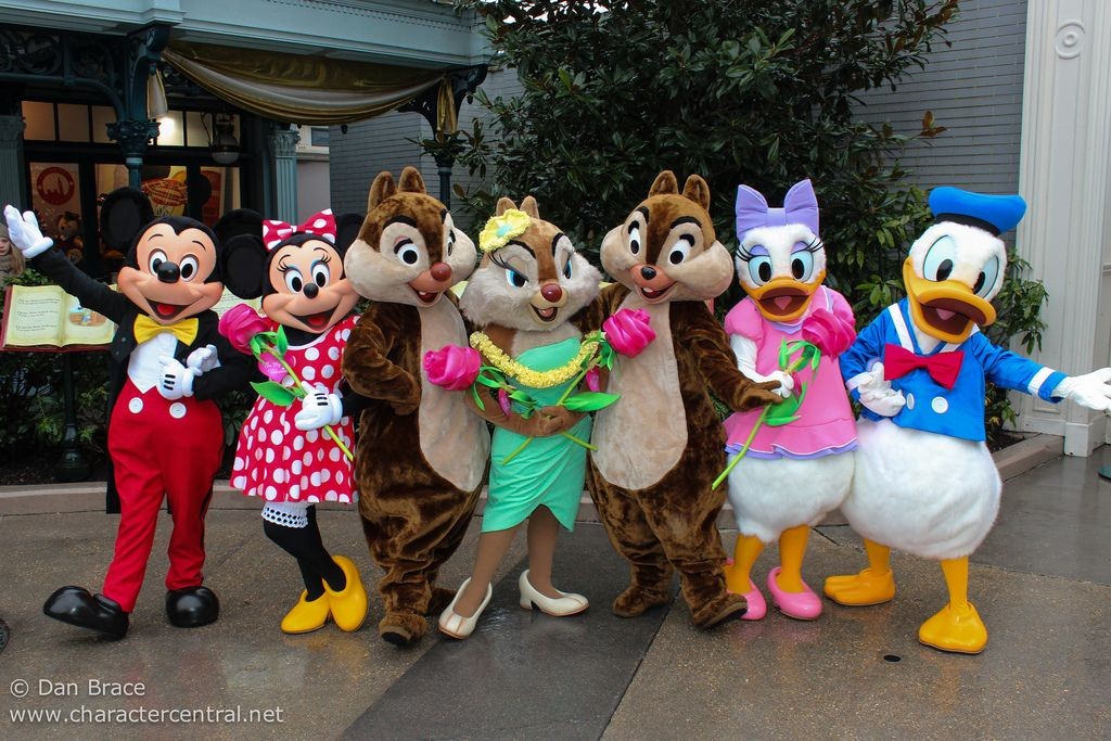 Disneyland Characters | About Valentine's Day