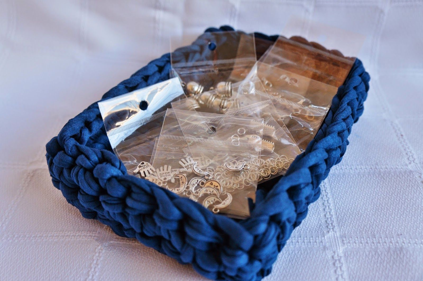 Las mejores creaciones de ganchillo, fimo, alambre, trapillo... Date un capricho, regala una o aprende con nosotras!