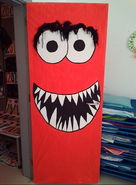 29+ Halloween Door Decoration Ideas More Lively What You Must Know #halloweendoordecorations
