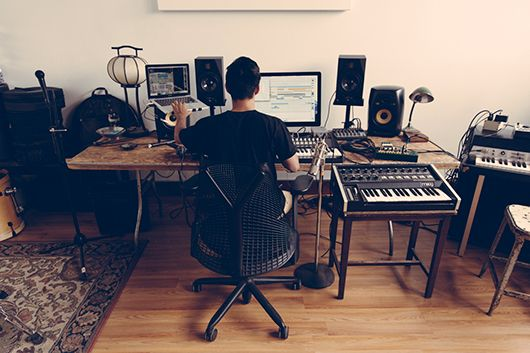 in the studio shigeto xlr8r office in my dreams pinterest studios de musique studios. Black Bedroom Furniture Sets. Home Design Ideas