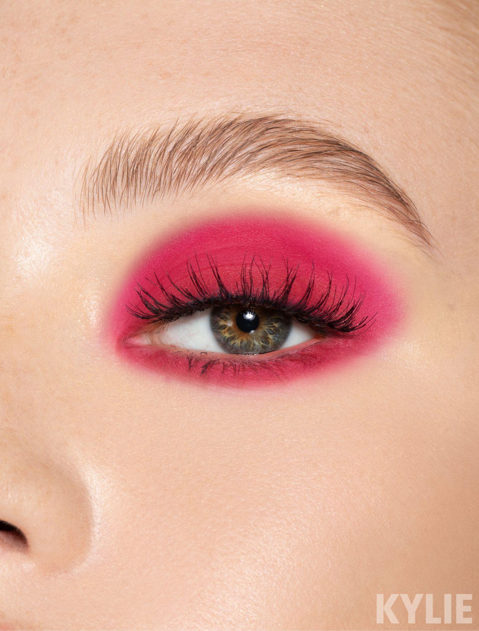 Mae Pressed Powder Single Kylie cosmetics eyeshadow