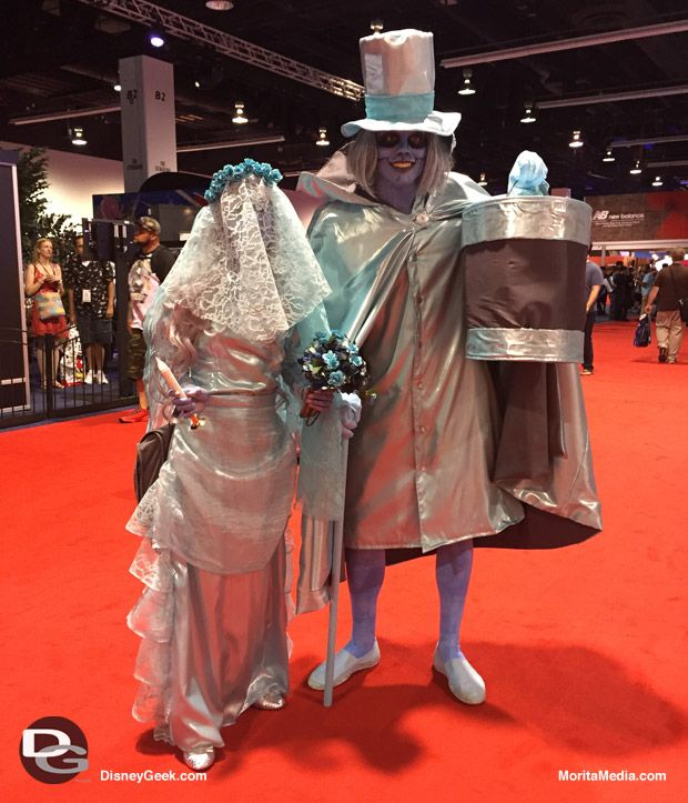 Cosplayers At D23 Expo 2015 Daynah Discoveries Haunted Mansion Costume Halloween Dress Up Ideas Haunted Mansion Decor