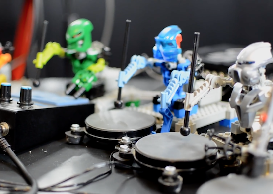 Watch the Toa Mata Band perform a cover of Kraftwerk