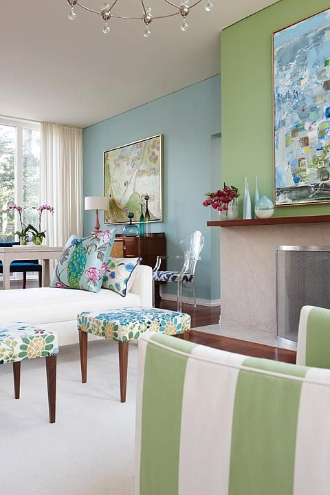 Great coastal colour combination, love the feature fireplace wall. Sarah Richardson #interiordesign