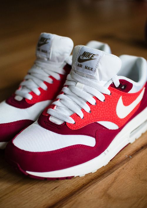 174e3dc87ce14 Nike Rosherun Roshe Run Team Red Sail Maroon Burgundy 511881 610 Adult Sizes