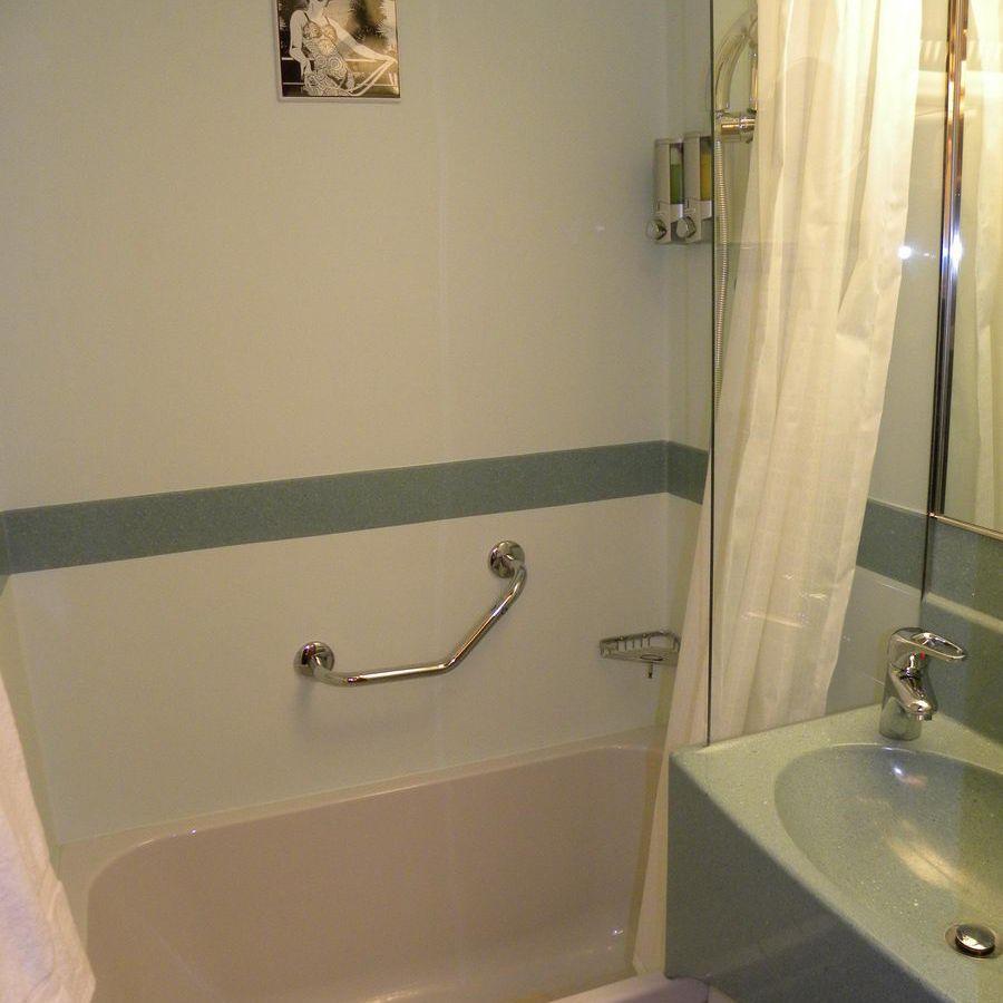Carnival Dream Interior Room Bathroom in 4  Small bathroom