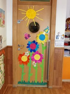Pin de yohenia ortega alcivar en decoraci n aula for Decoracion puerta aula infantil