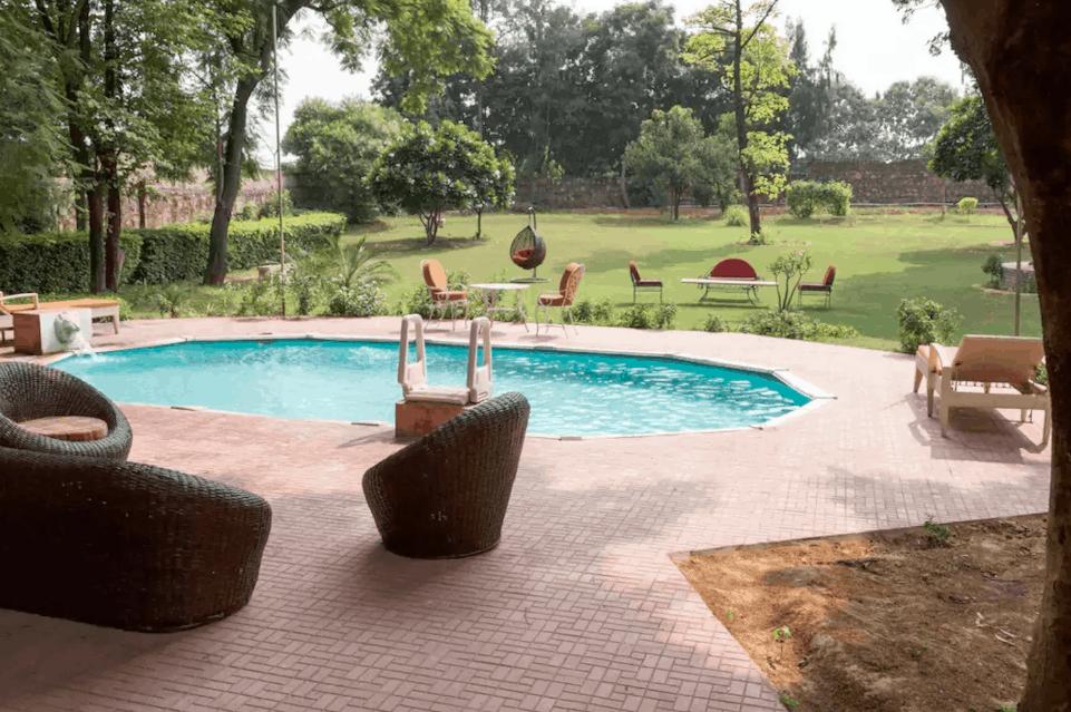 Renting a farm house or a villa for organising a