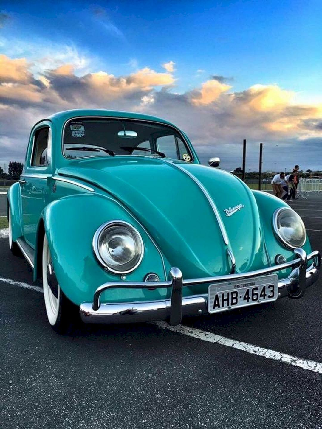 Top Vintage Volkswagen Vehicle and Accessories Collections Items No 10