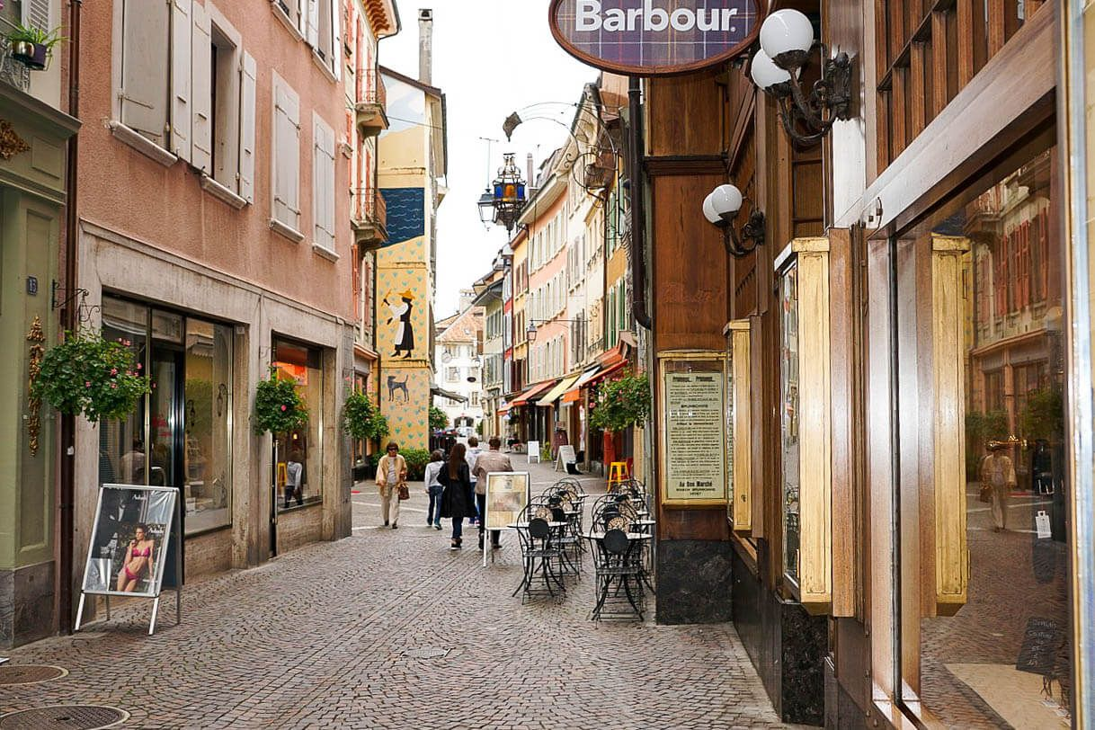 17 Best Things To Do In Montreux Switzerland Bulgarian On The Go Switzerland Switzerland Cities Gorgeous Scenery