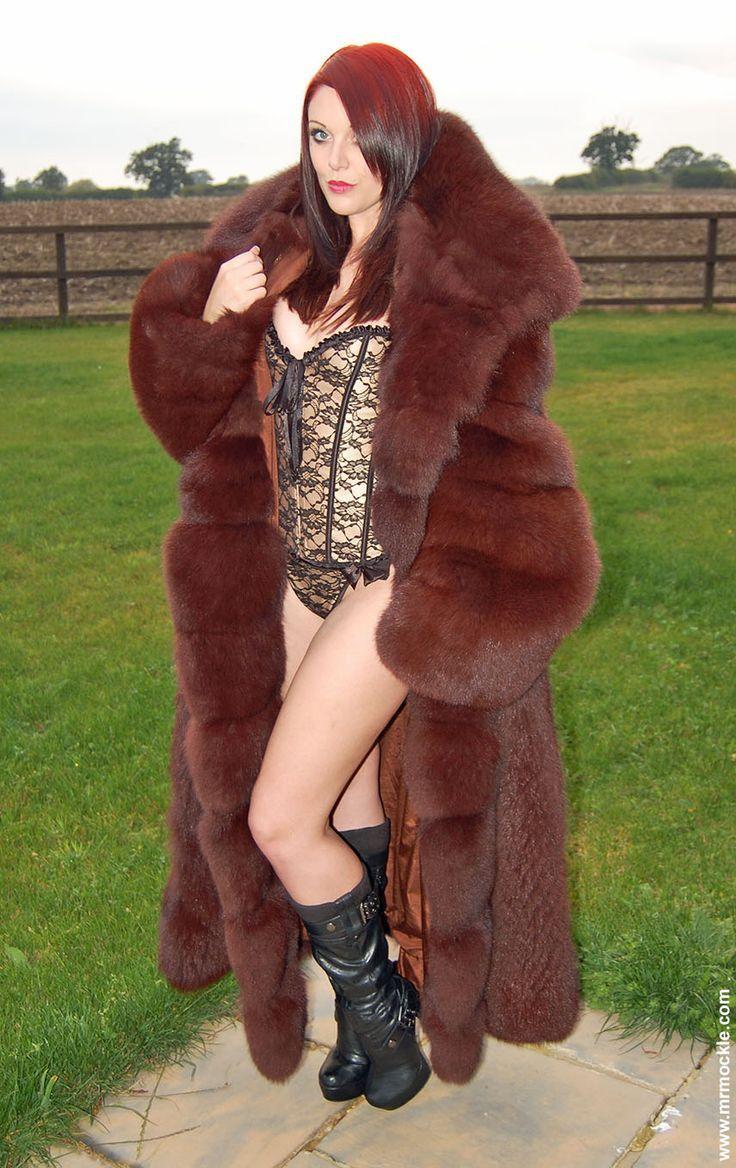 mr mockel   Huge fox fur! Bravo Mr. Mockle! You've gotten some new coats & I love ...