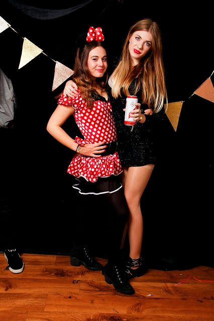 Teen party photo booth, Fancy dress, TV and Movie stars theme www ...