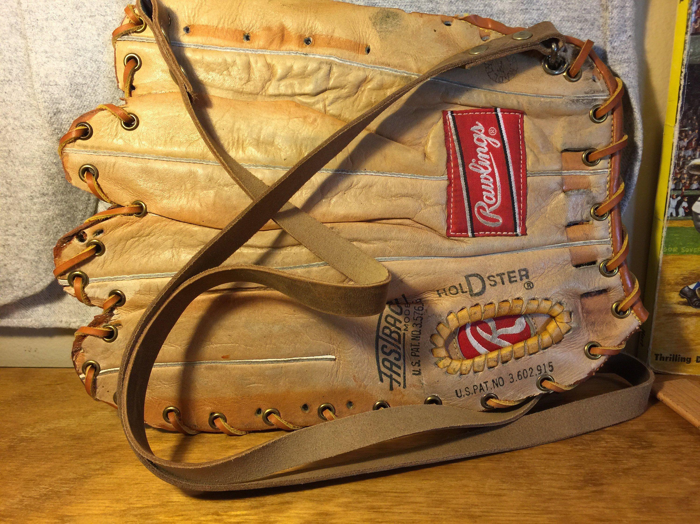 Rawlings Purse Bag With Strap Https Etsy Me 2anlaz1 Bagsandpurses Leatherwallet Baseballwallet Glovewa Leather Projects Leather Purses Leather Wallet