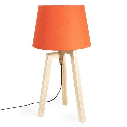 lampe trépied en bois et abat-jour en tissu orange | maisons du