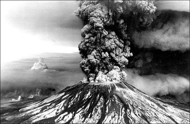 A erupção do Monte Santa Helena em 18 de Maio de 1980.