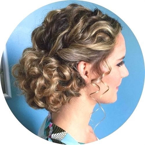 Getting Some Fancy Curly Hair Updos Naturalcurlyhairstyles Naturally Curly Updo Curly Hair Styles Naturally Curly Wedding Hair